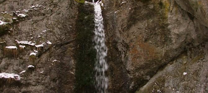 Poľovníkov vodopád, Bobrovecký vodopád